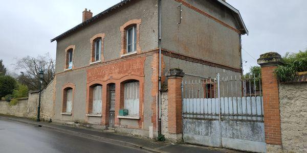 Rénovation intérieure et extérieure d'une maison à Gueux