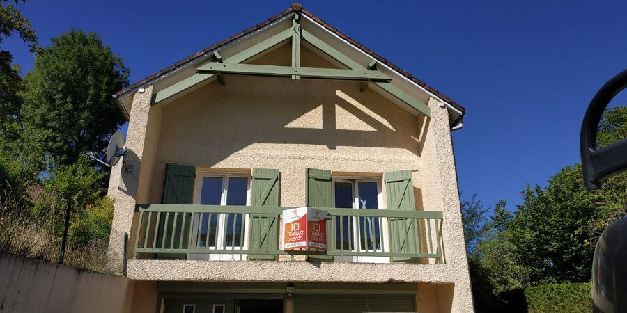 Début de travaux de rénovation totale pour cette maison à Rosnay